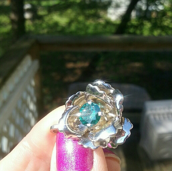 Jewelry - 14kt WG Rose Pendant w Blue Diamond